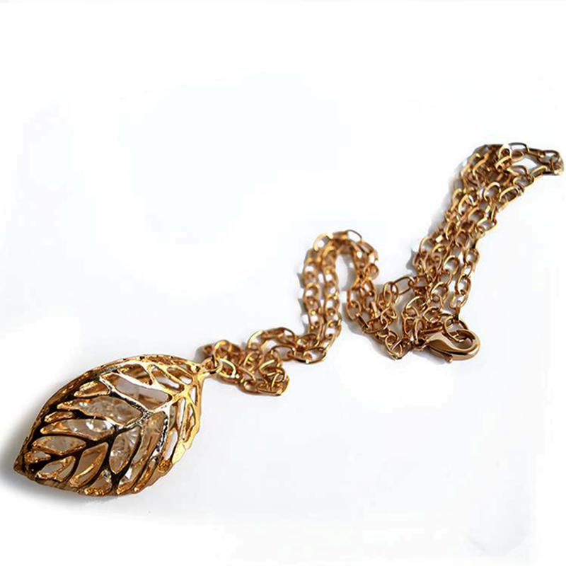 gold-leaf-neckalace