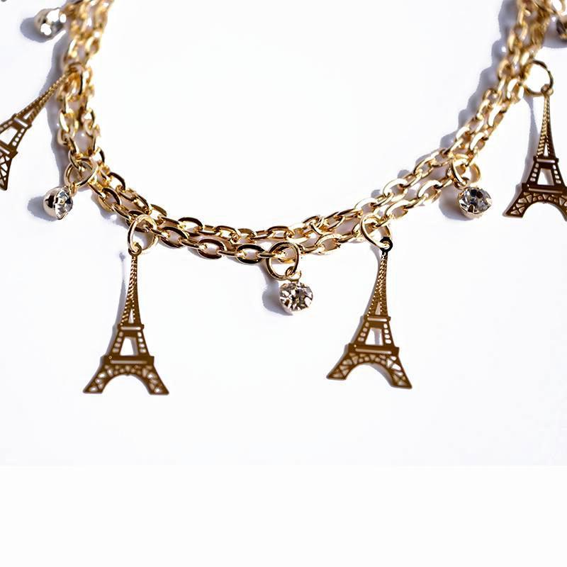 eiffel-tower-charm-bracelet-closeup