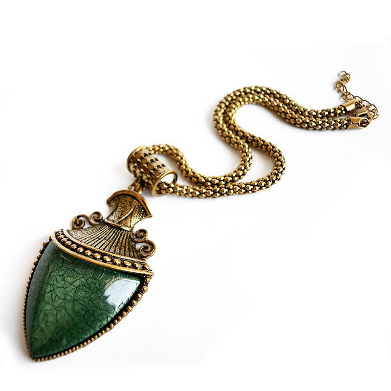 emerald arrow boho necklace