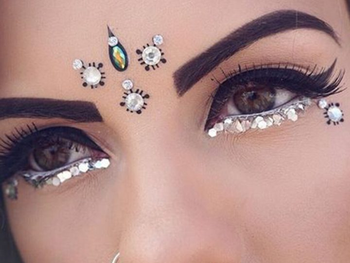 Style like a Boho Chic using Bindis