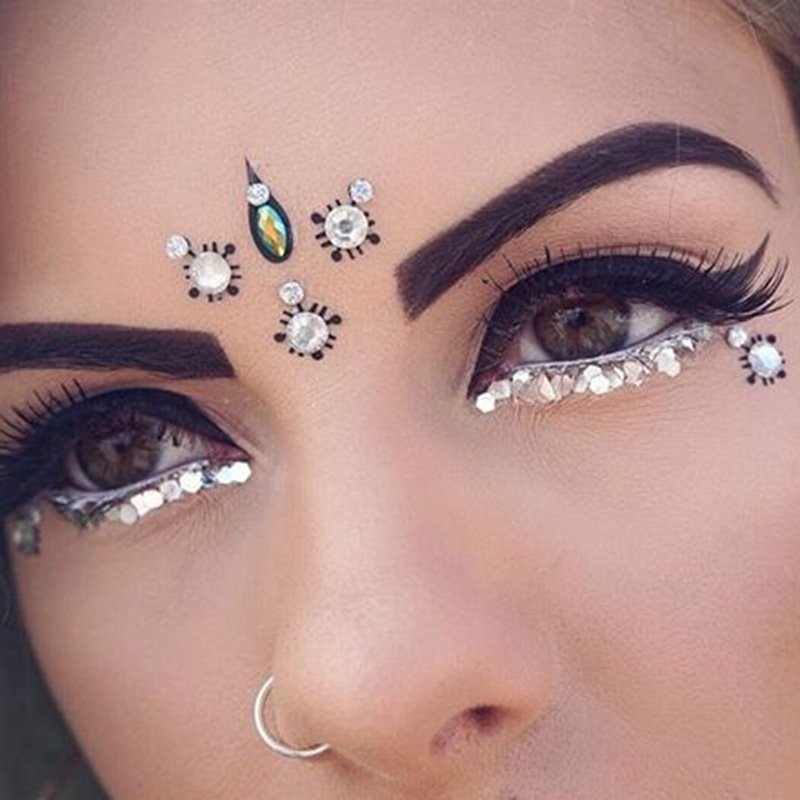 Bohemian Style using bindis